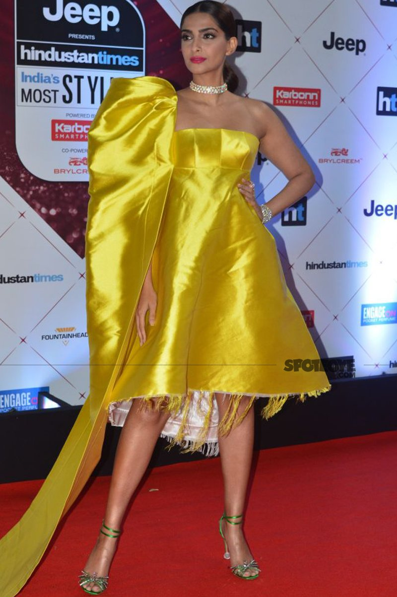 sonam kapoor at ht most stylish awards