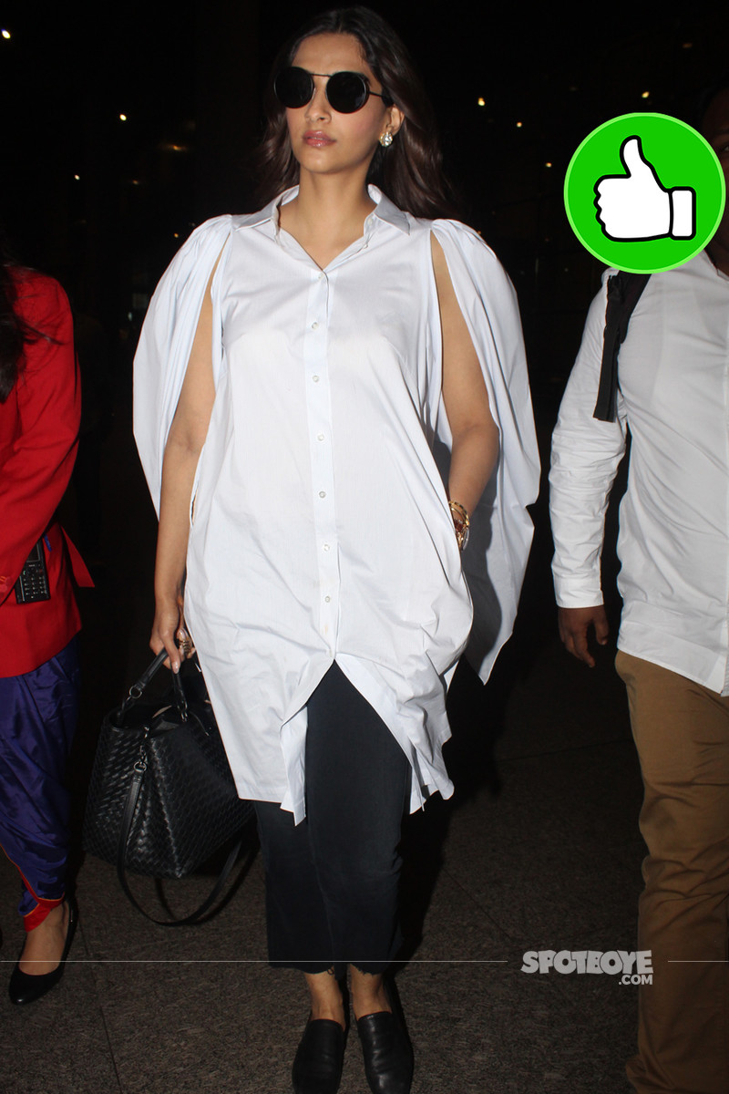 sonam kapoor at the airport