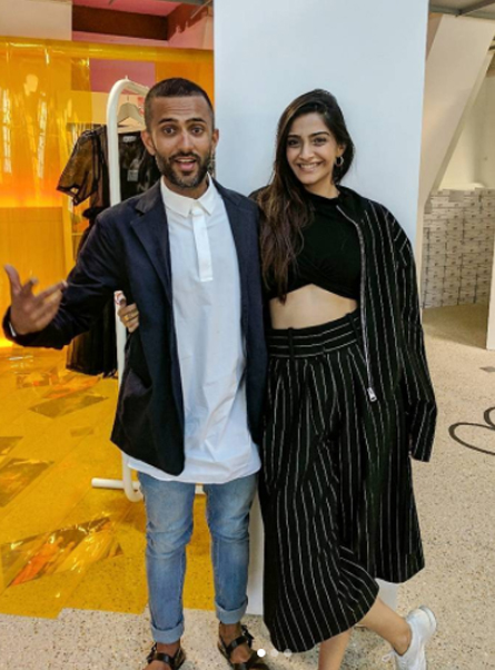 sonam kapoor poses with boyfriend anand ahuja
