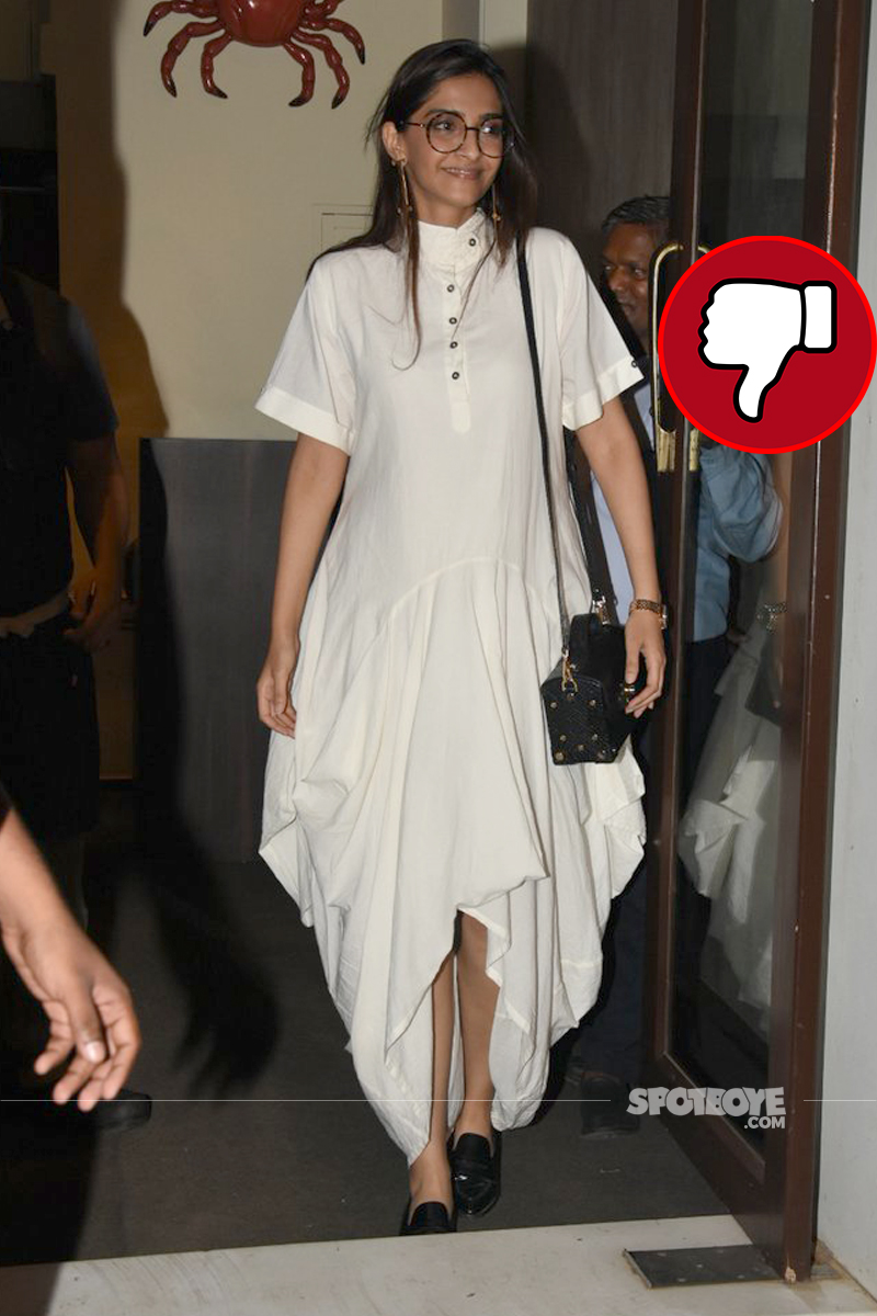 sonam kapoor spotted at bastian