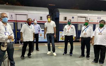 Sonu Sood Now Sends Migrants Home Via Trains Amidst Lockdown; 1000 Migrants Reach UP And Bihar