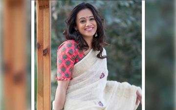 Spruha Joshi Is Breaking Style Sterotyopes With An Azure Blue Galabandh Paired With An Asymmetrical Kurti