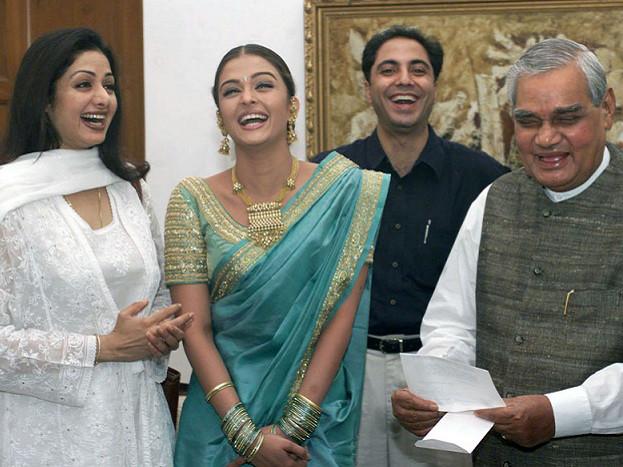 sridevi and aishwarya rai bachchan with the former prime minister atal bihari vajpayee