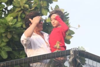 SRK And AbRam's Eid 2019 Treat To The Fans From Balcony