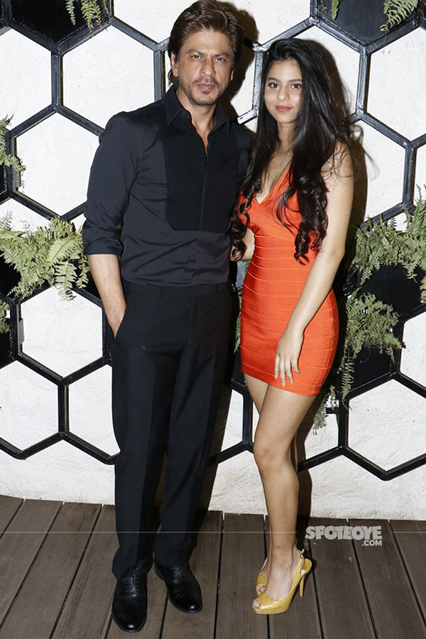 srk and suhana at arth lounge opening bash