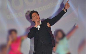 SRK Is Grooving To The New Chhaiyya Chhaiyya Mashup