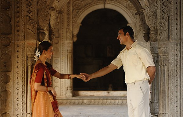 radhika apte and akshay kumar in pad man
