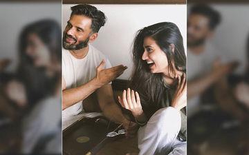 Gopi Kishan Completes 25 Years: Suneil Shetty Reveals His Daughter Athiya Shetty Stills Says 'Mere Do Do Baap'