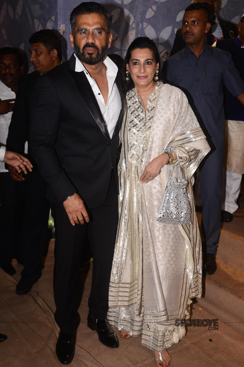 suniel shetty with wife mana shetty at poorna patel reception