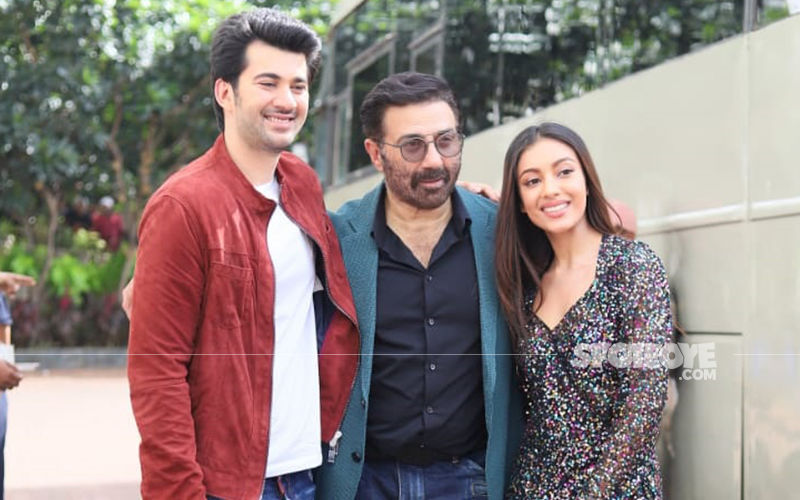 Sunny Deol Arrives With Son Karan Deol and Sahher Bambba On Sets Of Dance India Dance 7