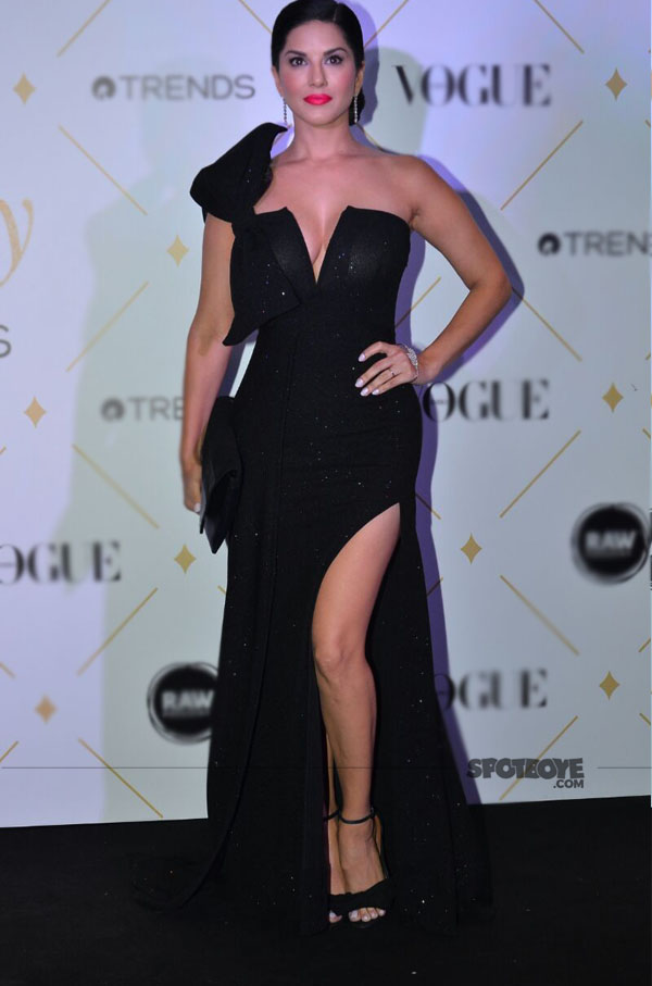 sunny leone at vogue beauty awards 2017