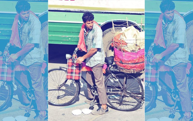 On-The-Sets Of Super 30: Hrithik Roshan Takes The Streets Of Jaipur On A Bicycle