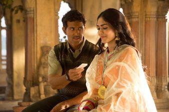 फिल्म 'सुपर 30' के गाने 'जगराफिया' के रिलीज़ के पहले ऋतिक रोशन ने एक्ट्रेस मृणाल ठाकुर के साथ की तस्वीर शेयर