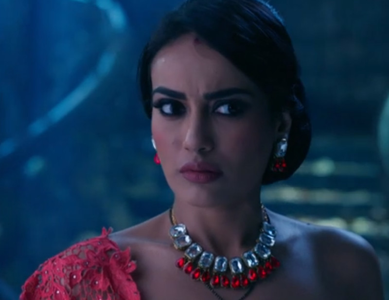 surbhi jyoti in naagin 3