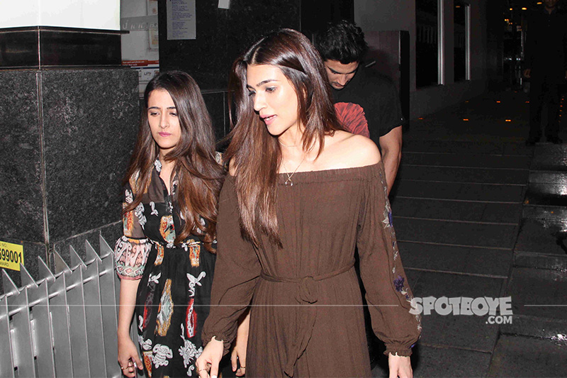 sushant kriti and her sister spotted post dinner at hakassan