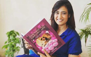 Shweta Tiwari Shares Current MOOD Giving A Glimpse At Her Reading List - It's Sexy, Violent And Steeped In Magic
