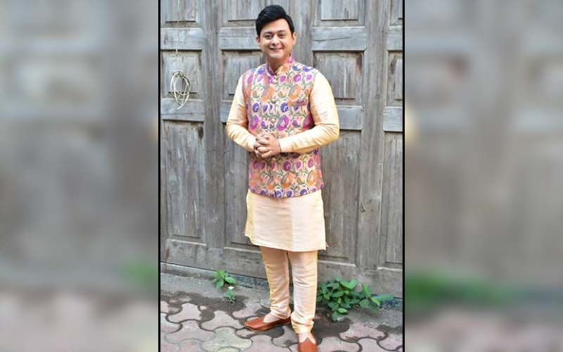 Swwapnil Joshi Redefines Traditional Wear With A Pathani And A Drape