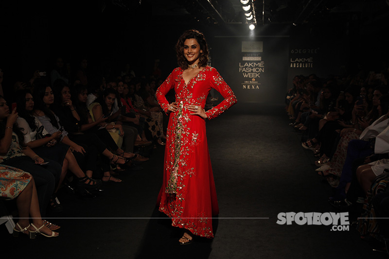 taapsee pannu at lfw