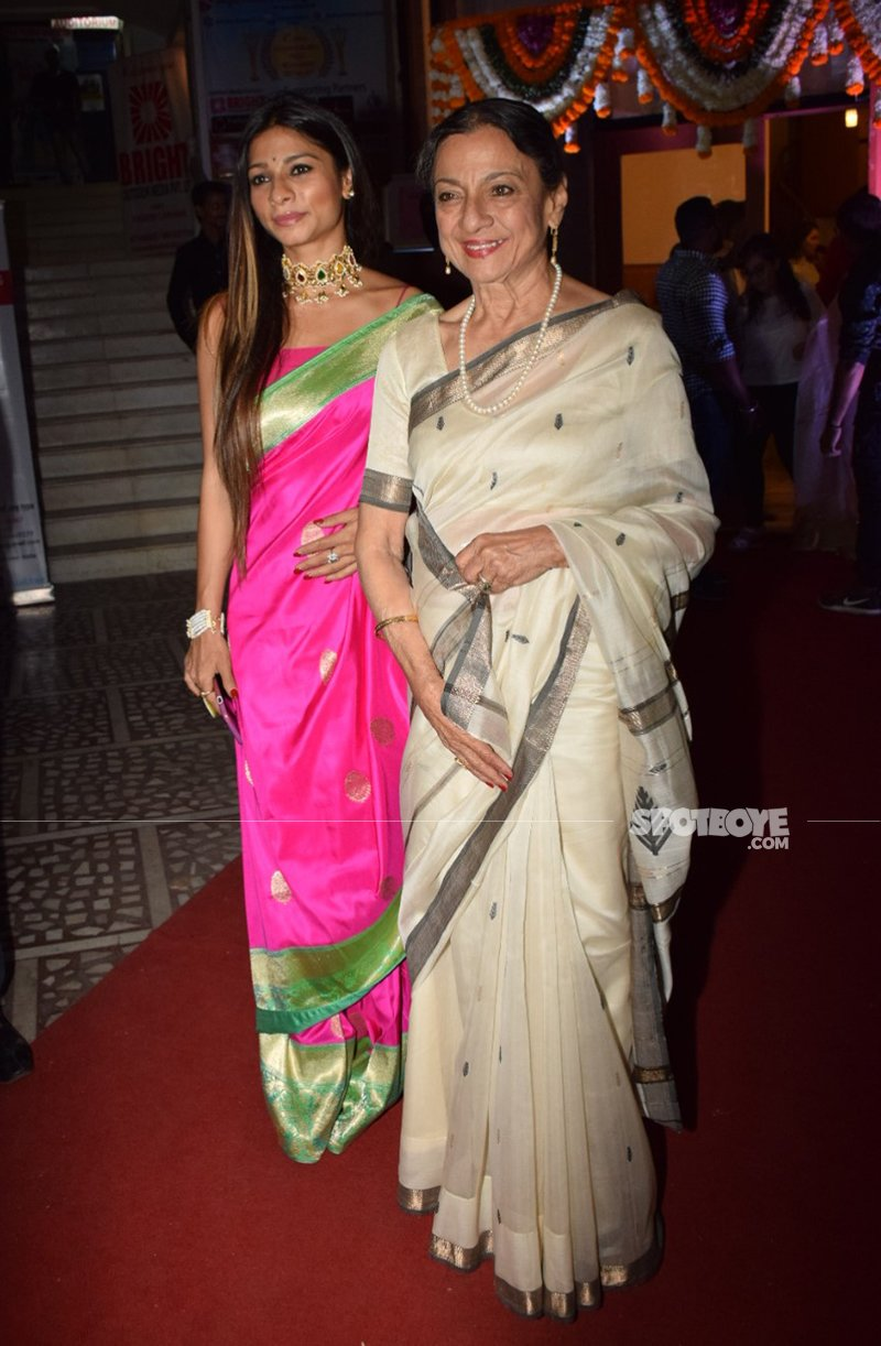 tanuja mukerji at vatsal seth and ishita dutta wedding ceremony at iskon temple