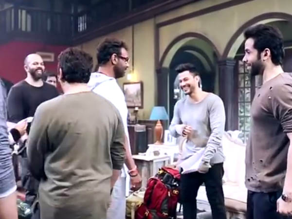 team golmaal again on the sets of the film