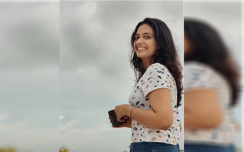Tejashri Pradhan Shares The Masked Selfie From Sets Of Aggabai Sasubai While Shooting
