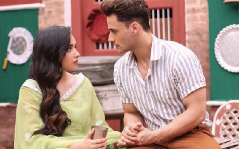 Teri Gali: Ahead Of The Song Release, This Picture Featuring Asim Riaz And Barbie Maan Is A Total Tease
