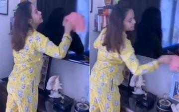 Bigg Boss 13's Devoleena Bhattacharjee Shares A Sneak-Peek Of Her Quarantine Life; Says 'Kaam Karo Kaam' Wiping Her TV Screen