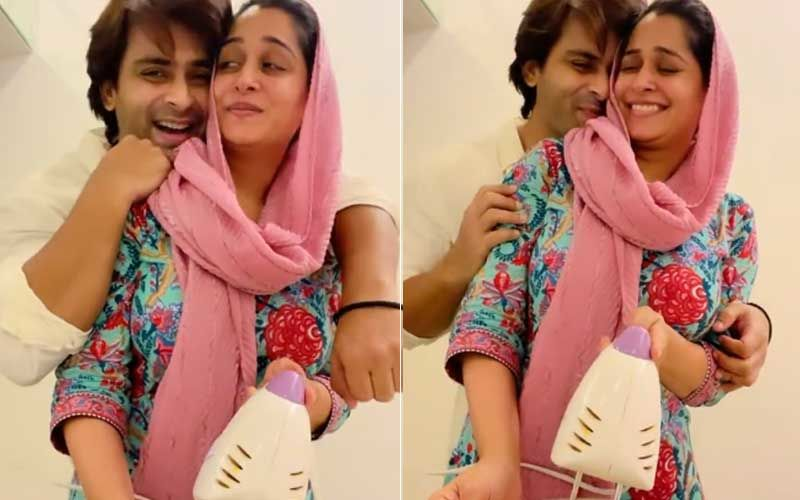 Sasural Simar Ka 2 Actress Dipika Kakkar Bakes A Cake With Hubby Shoaib Ibrahim; Couple's Kitchen Romance Is Too Cute For Words-WATCH