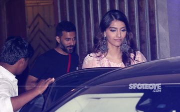 After Sangeet Rehearsals With Farah Khan, Sonam Kapoor Steps Out For Dinner With Anand Ahuja