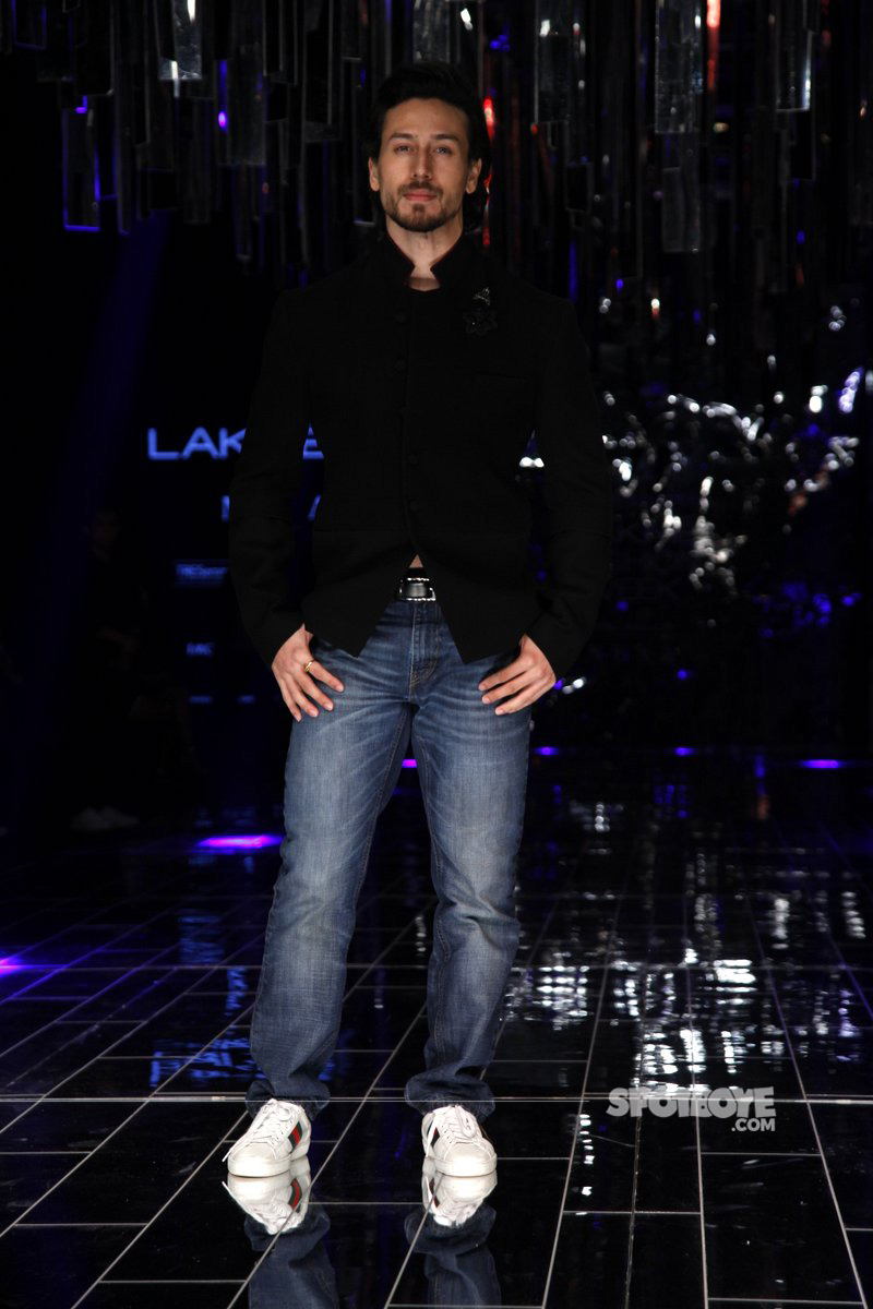 tiger shroff at lfw