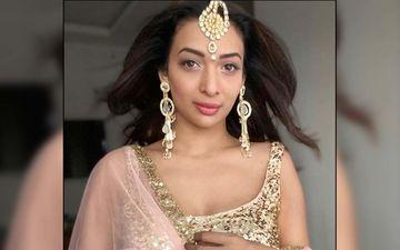 Heena Panchal Flaunts Her Oozing Hotness In This Crop Top