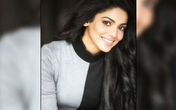 Pooja Sawant Is Festive Ready In This Puff Sleeved, Long Banarasi Dress In An Ethnic Chic Look