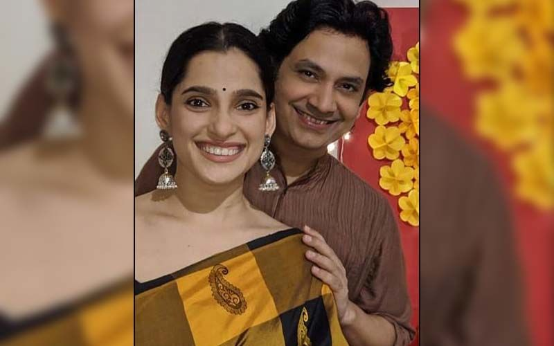 Navra Bayko Ani Ti: Umesh Kamat And Priya Bapat's New Romantic Ad Film Now Streaming On Mirchi Marathi