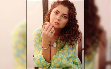 Sonalee Kulkarni Dresses Up As Cinderella In A Princess Gown And Glass Slippers