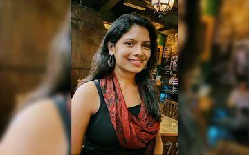 Actress Suruchi Adarkar Flaunts A Thigh Slit Mini Skirt Flaunting Her Oozing Sensuousness