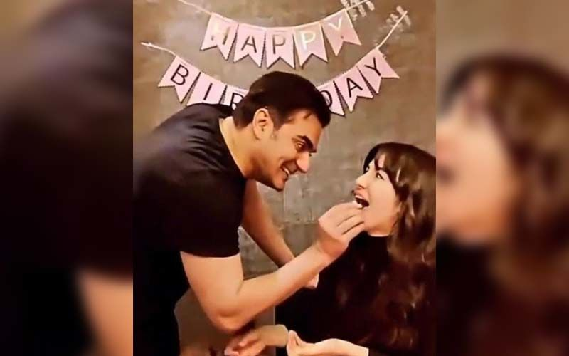 Arbaaz Khan's Girlfriend Giorgia Andriani Celebrates Her Birthday With Him; Actor Feeds Her Cake With Utmost Love —VIDEO