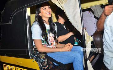 Kiara Advani Takes An Auto Ride, Ditches Her Luxury Sedan, Post The Shoot Of Laxmmi Bomb