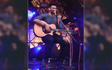 Indian Idol 11: Aditya Roy Kapoor Steals The Show With His Impromptu Gig; Takes Us Back To Aashiqui 2 Days