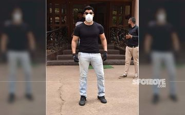 Amid Coronavirus, Varun Dhawan Takes Extra Precautions As He Steps Out Wearing A Mask And Gloves