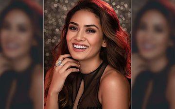 Mira Rajput's Most Sensational Selfies On The Internet That Prove She Is Ms Heartbreaker