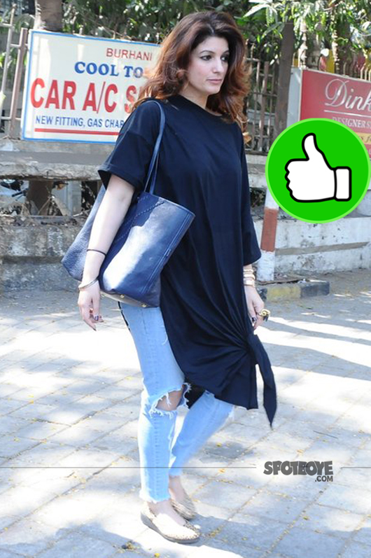 twinkle khanna spotted at the spa