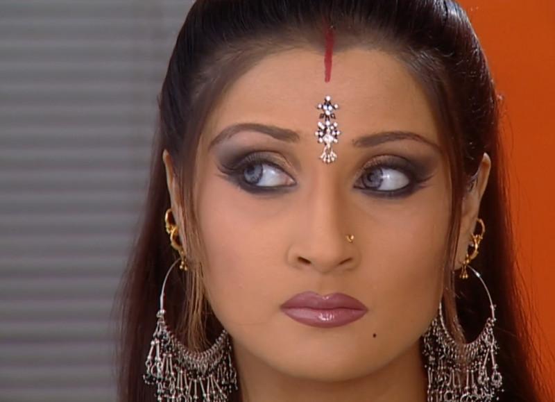 urvashi dholakia as komolika in kasautii zindagi kay