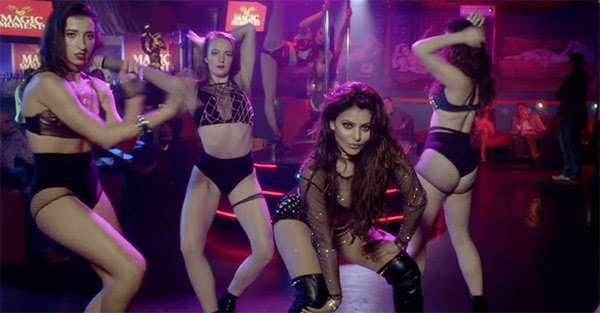 urvashi rautela energetic moves