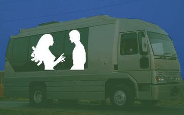 Vanity Van Is The New Meeting Adda For This Controversial Bollywood Couple