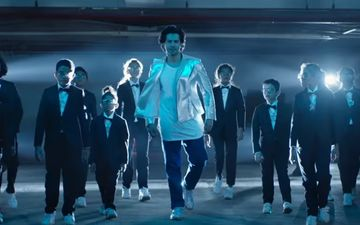 फिल्म सुई-धागा का नया गाना 'सब बढ़िया है' हुआ रिलीज, पोस्टर फाड़कर सामने आए वरुण धवन
