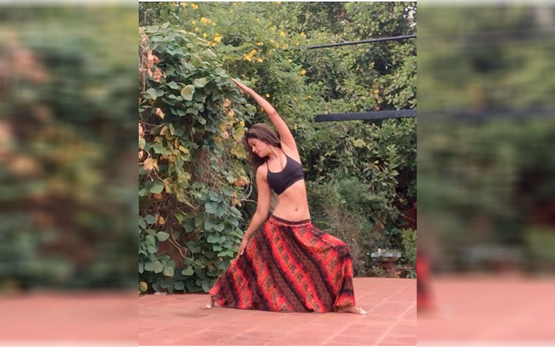Chak De! India actor Vidya Malavade aces a difficult embryo yoga pose; check out the benefits of embryo pose