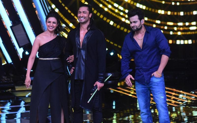 Vidyut Jammwal Plays Dandiya With Divyanka Tripathi On A Reality Show, Winning Hearts