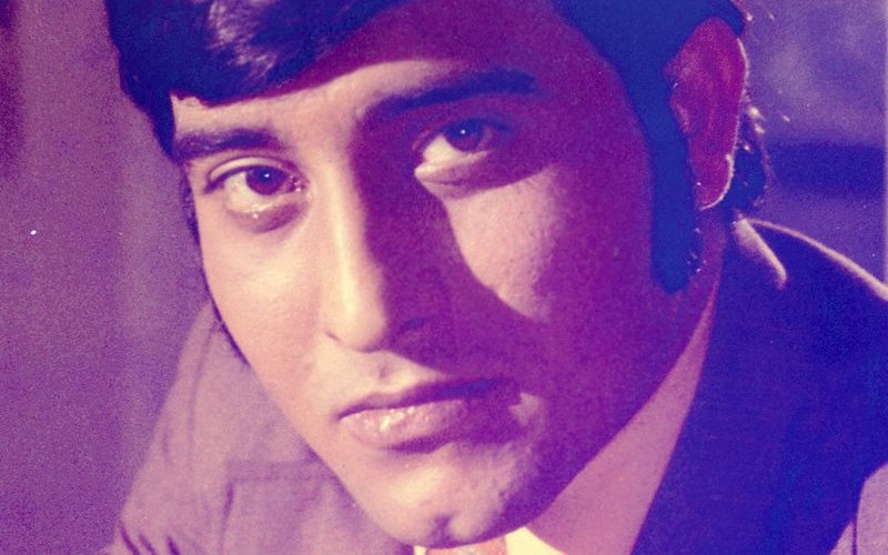 Vinod Khanna Was The First Bollywood Star To Get A Vanity Van