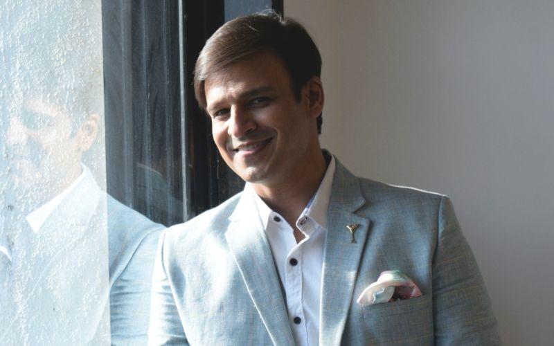 फिल्म पीएम नरेंद्र मोदी की रिलीज को लेकर चुनाव आयोग से मिले विवेक ओबेरॉय