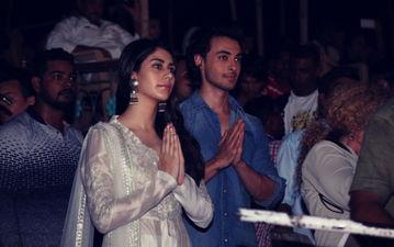 फिल्म लवरात्रि के स्टार्स आयुष शर्मा और वारिना हुसैन ने बनारस में की गंगा आरती